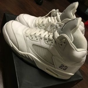 "Air Jordan 5 Retro ""Metallic White"""